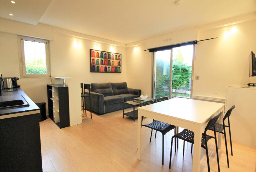 Appartement à louer 2 32.97m2 à Deauville vignette-2
