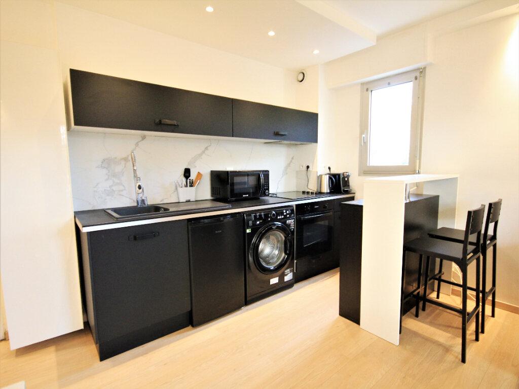 Appartement à louer 2 32.97m2 à Deauville vignette-3