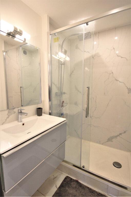 Appartement à louer 2 32.97m2 à Deauville vignette-5