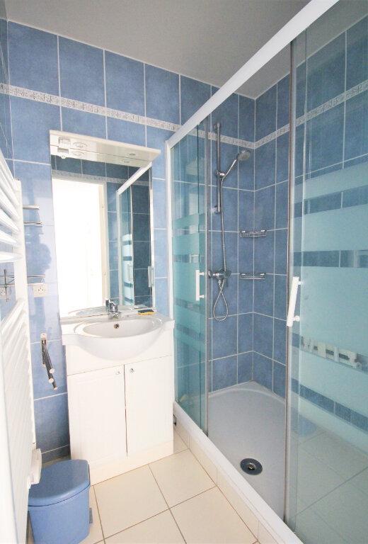 Appartement à louer 2 37.99m2 à Deauville vignette-6