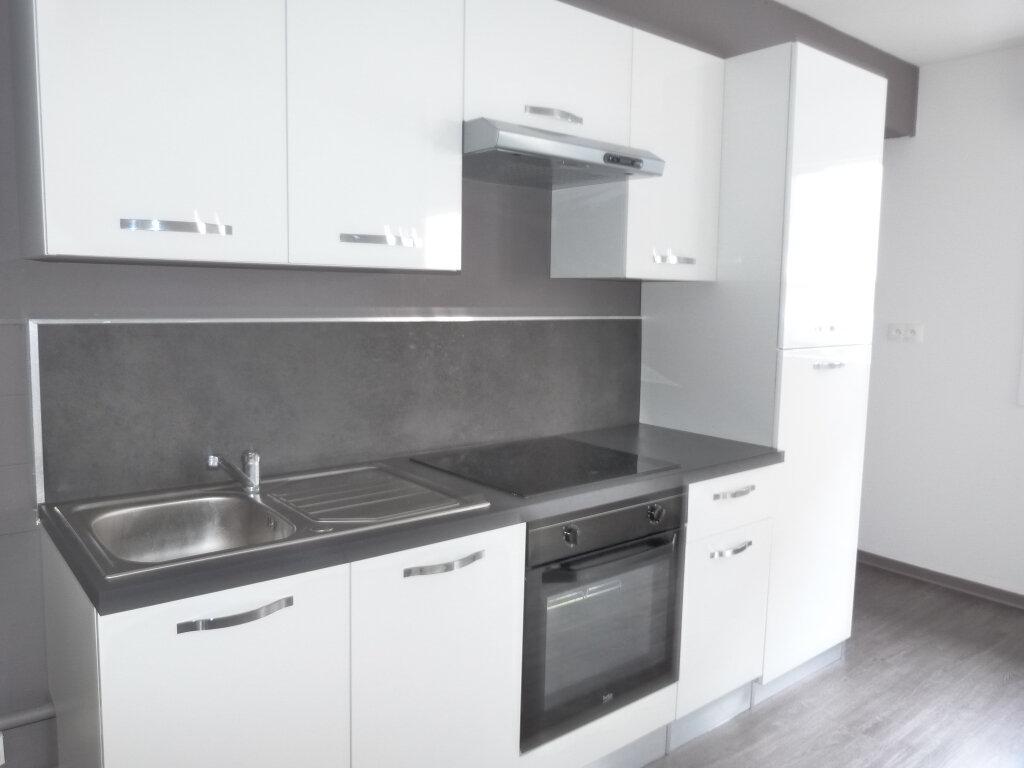 Appartement à louer 3 75.51m2 à Rouen vignette-3