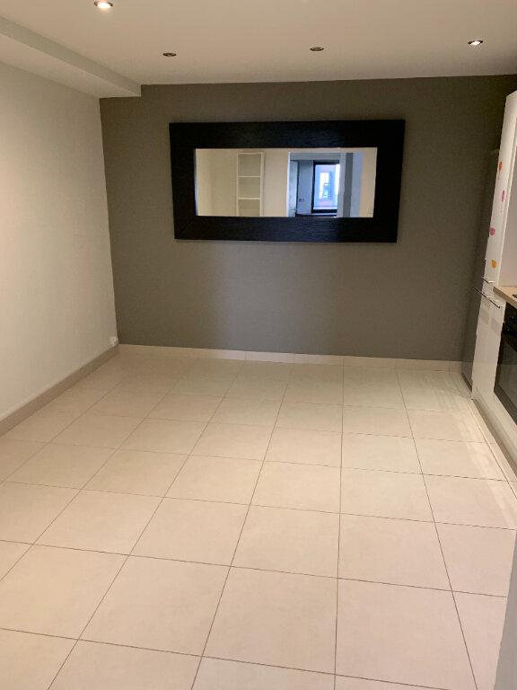 Appartement à louer 1 25m2 à Rouen vignette-3