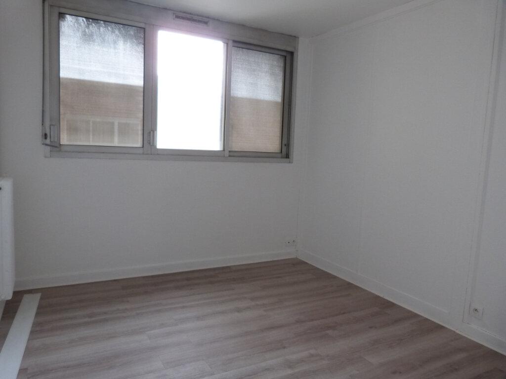 Appartement à louer 2 38.56m2 à Rouen vignette-3