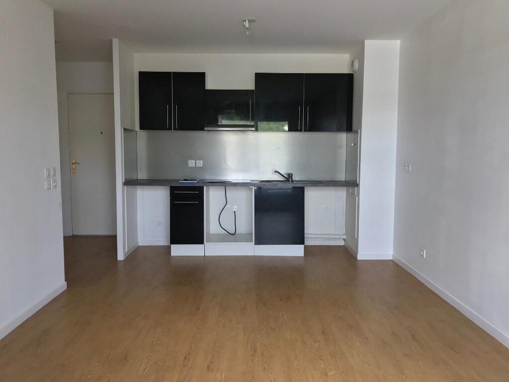 Appartement à louer 3 55m2 à Canteleu vignette-4
