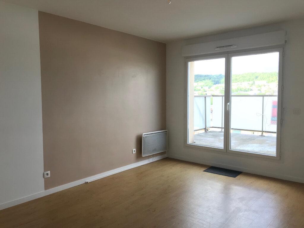Appartement à louer 3 55m2 à Canteleu vignette-8