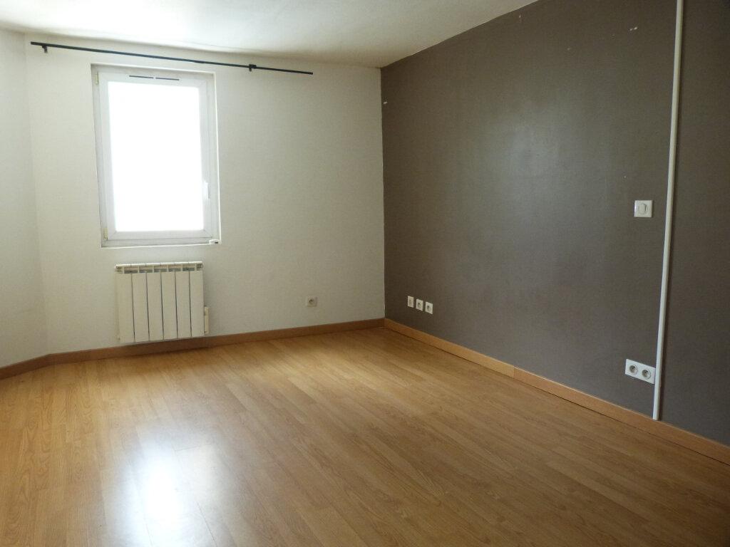 Maison à louer 3 43m2 à Grand-Couronne vignette-3