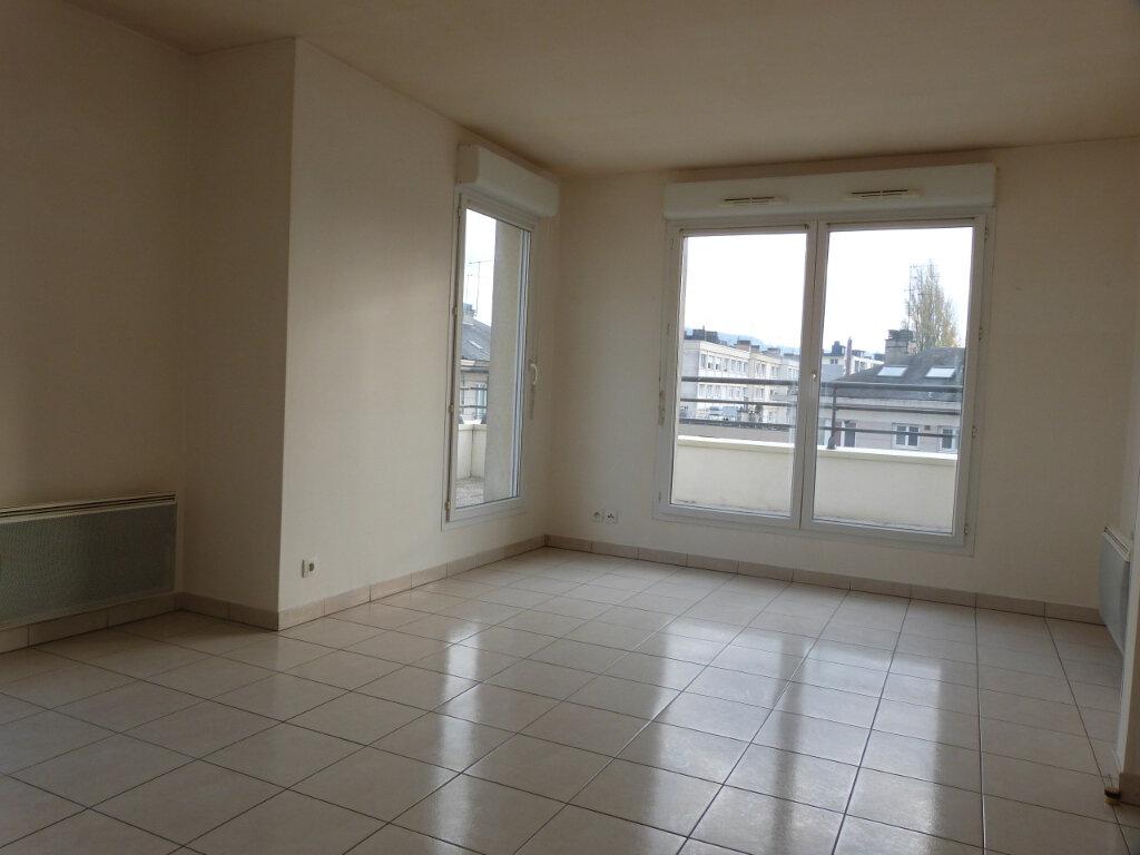 Appartement à louer 3 60.35m2 à Rouen vignette-2