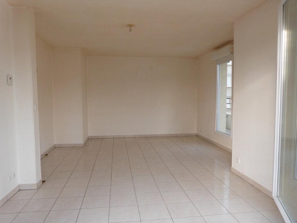 Appartement à louer 3 60.35m2 à Rouen vignette-4