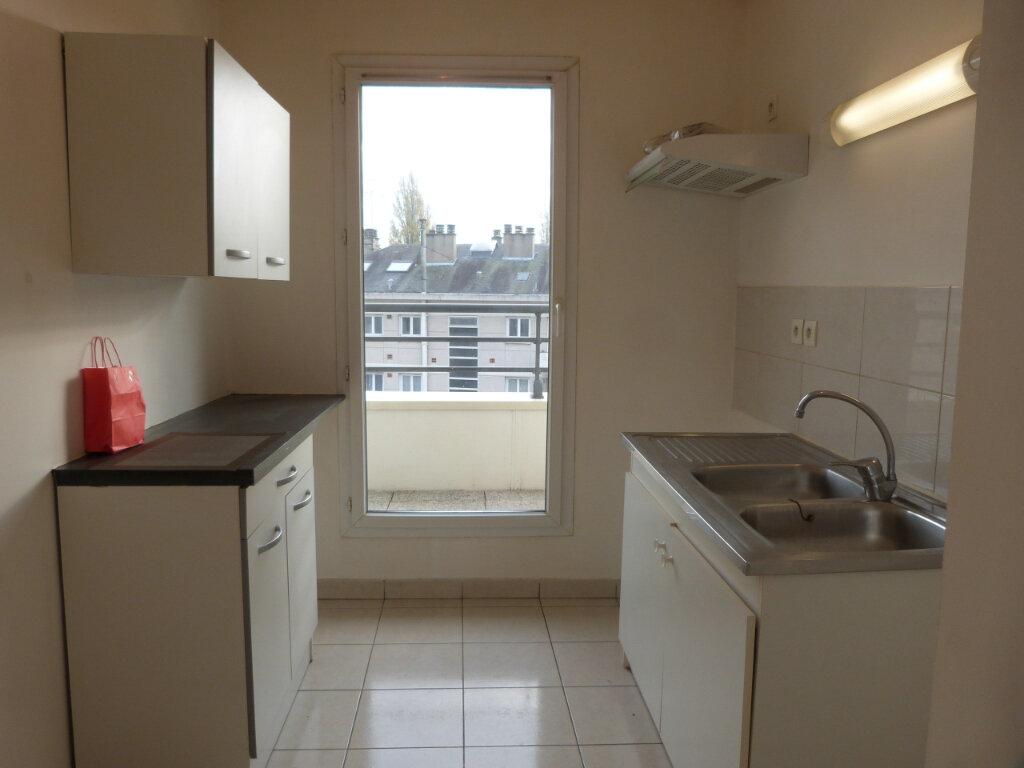 Appartement à louer 3 60.35m2 à Rouen vignette-6