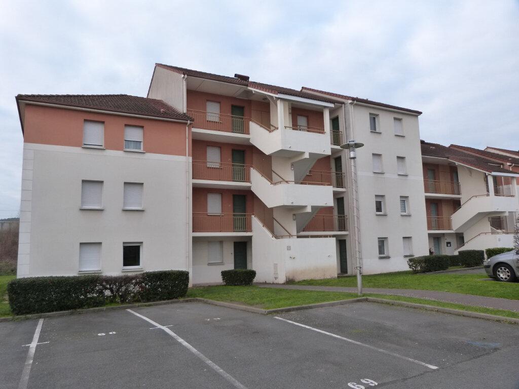 Appartement à louer 3 59m2 à Petit-Couronne vignette-1