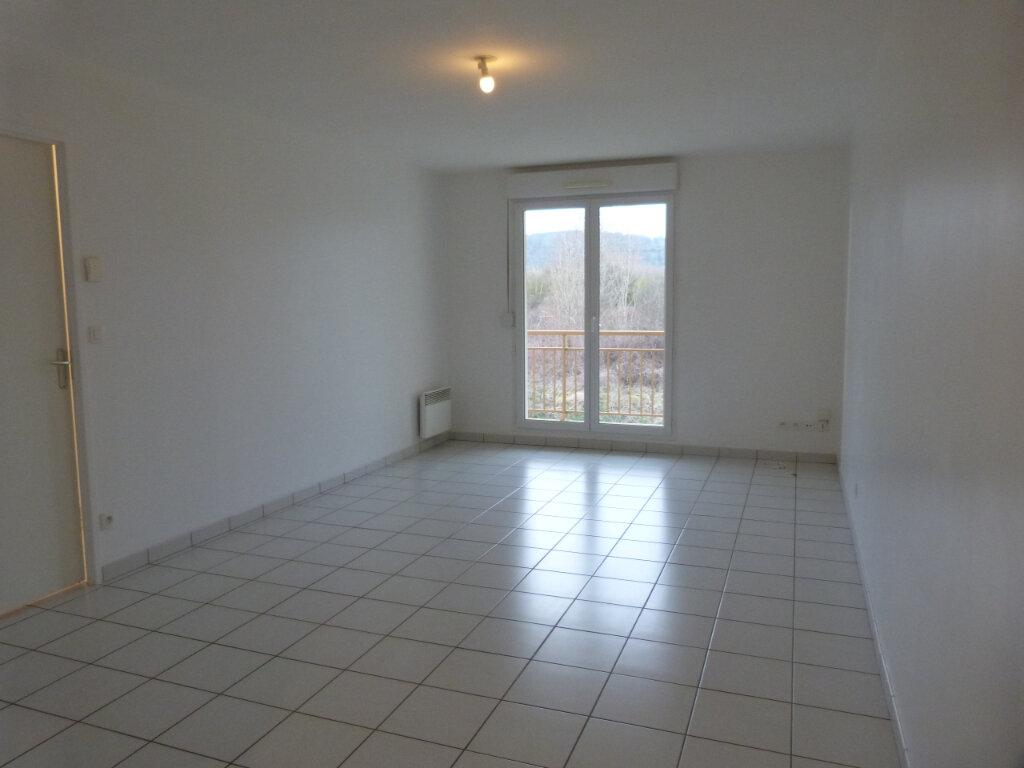 Appartement à louer 3 59m2 à Petit-Couronne vignette-2