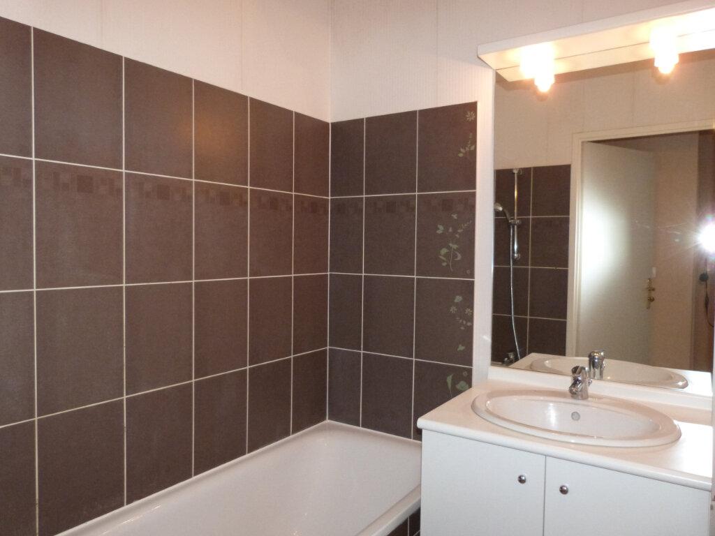 Appartement à louer 3 68m2 à Déville-lès-Rouen vignette-5