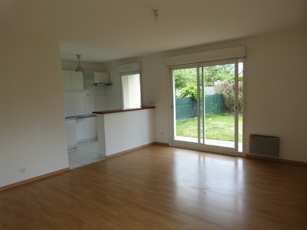 Appartement à louer 3 67.2m2 à Le Petit-Quevilly vignette-2