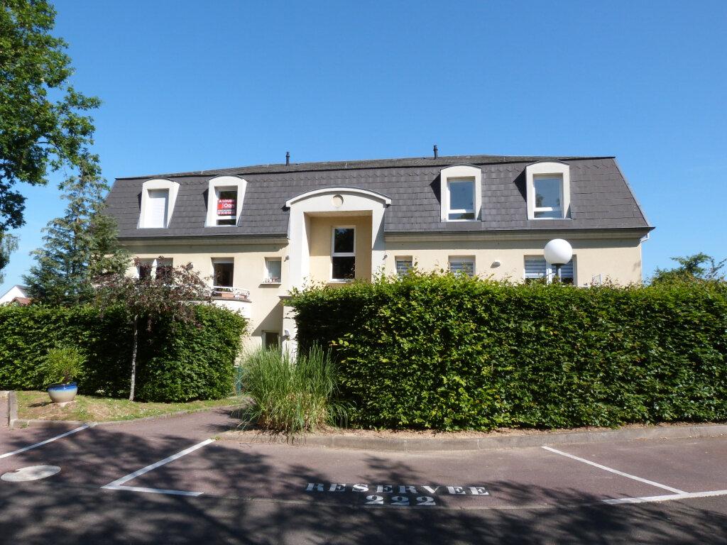 Appartement à louer 3 71.29m2 à Petit-Couronne vignette-1