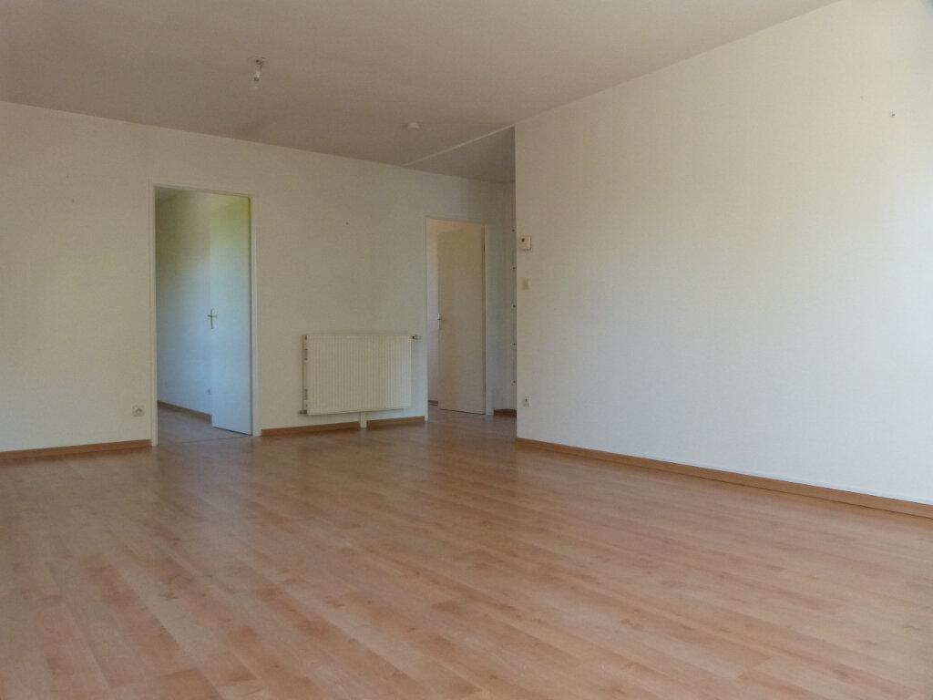 Appartement à louer 3 71.29m2 à Petit-Couronne vignette-3
