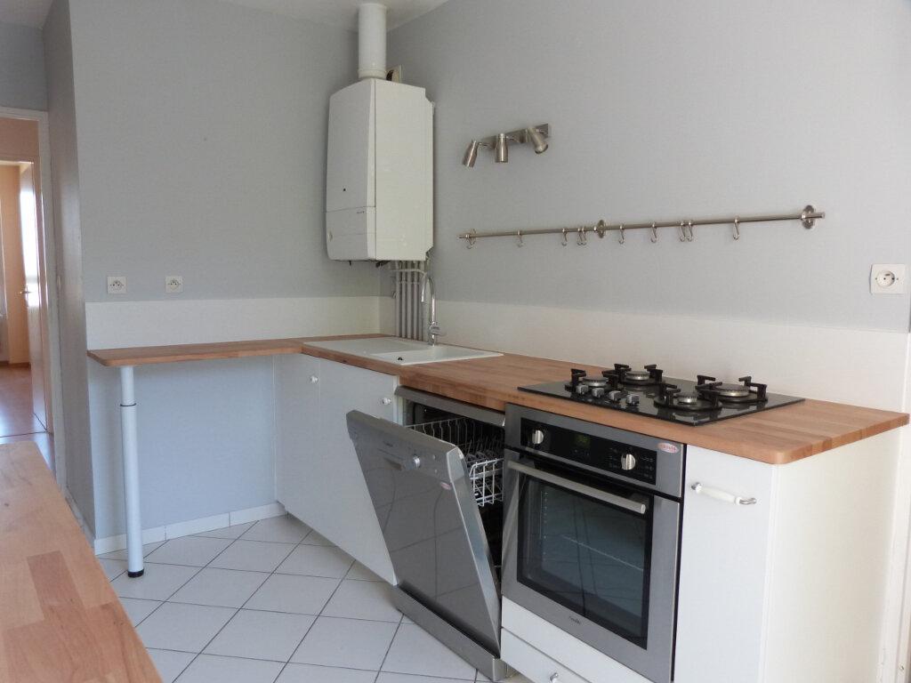 Appartement à louer 3 71.29m2 à Petit-Couronne vignette-4