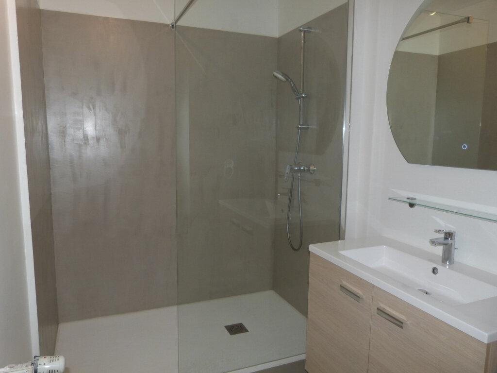 Appartement à louer 3 71.29m2 à Petit-Couronne vignette-8
