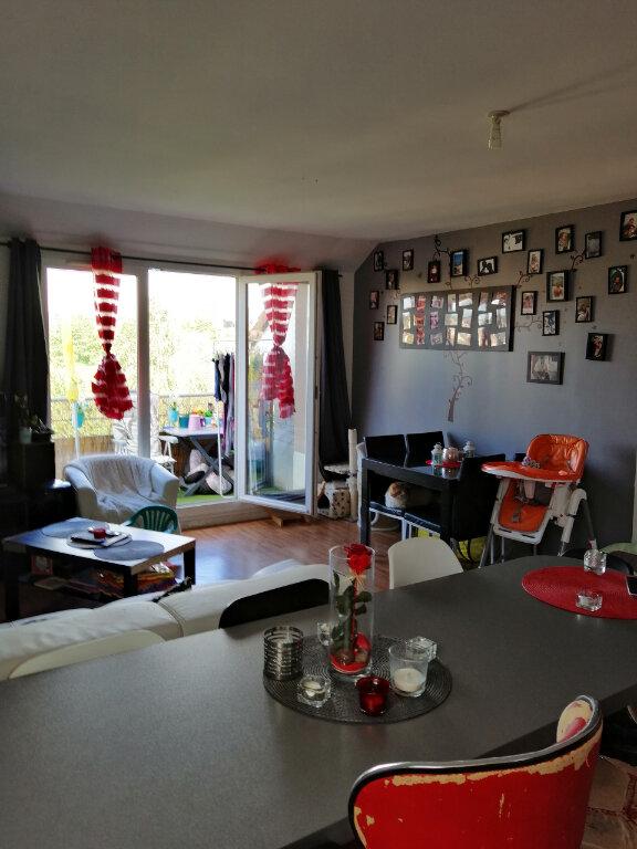 Appartement à louer 3 59.85m2 à Saint-Étienne-du-Rouvray vignette-3