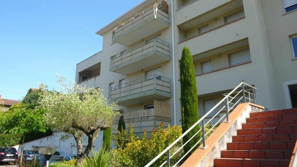 Appartement à louer 3 55m2 à Montauban vignette-1