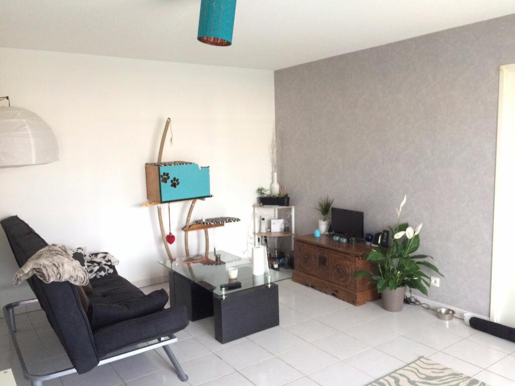 Appartement à louer 2 54m2 à Montbartier vignette-1