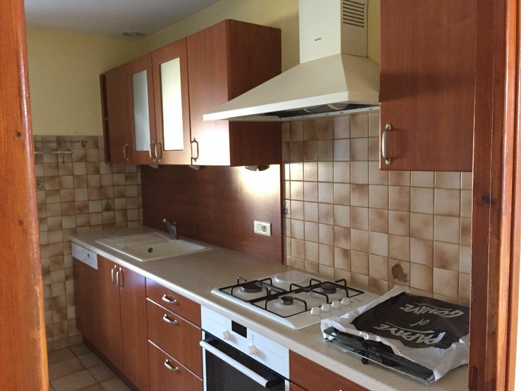 Maison à louer 5 158.41m2 à Nègrepelisse vignette-3