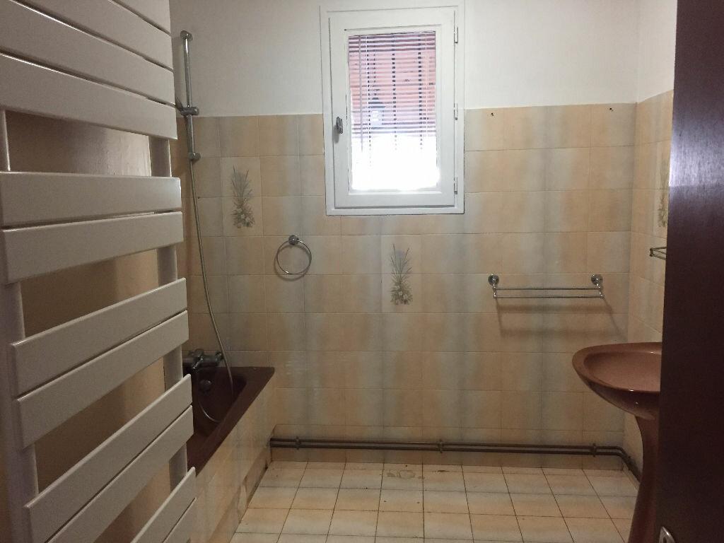 Maison à louer 5 158.41m2 à Nègrepelisse vignette-5