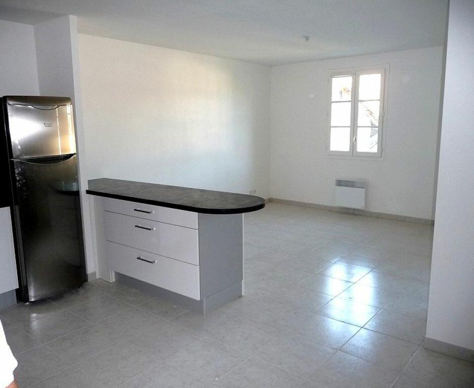 Appartement à louer 2 70m2 à Nègrepelisse vignette-2