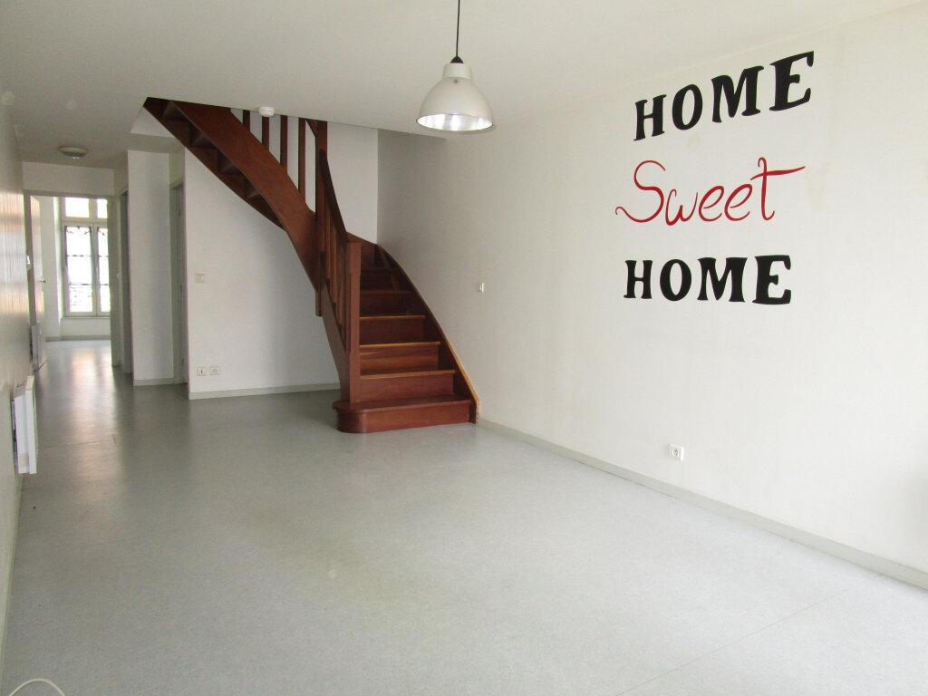 Appartement à louer 3 70.24m2 à Nègrepelisse vignette-1
