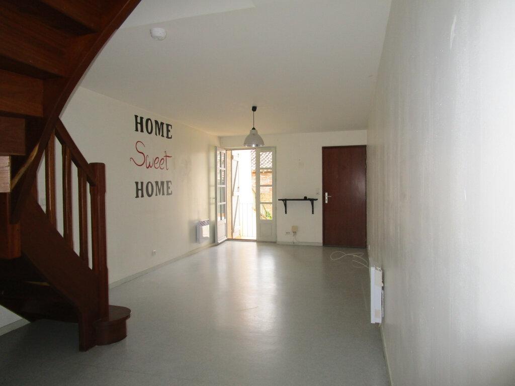 Appartement à louer 3 70.24m2 à Nègrepelisse vignette-2