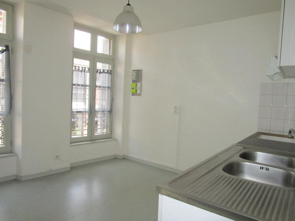 Appartement à louer 3 70.24m2 à Nègrepelisse vignette-3
