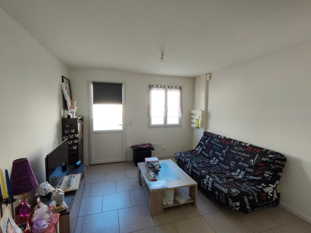 Appartement à louer 2 30m2 à Ingré vignette-1