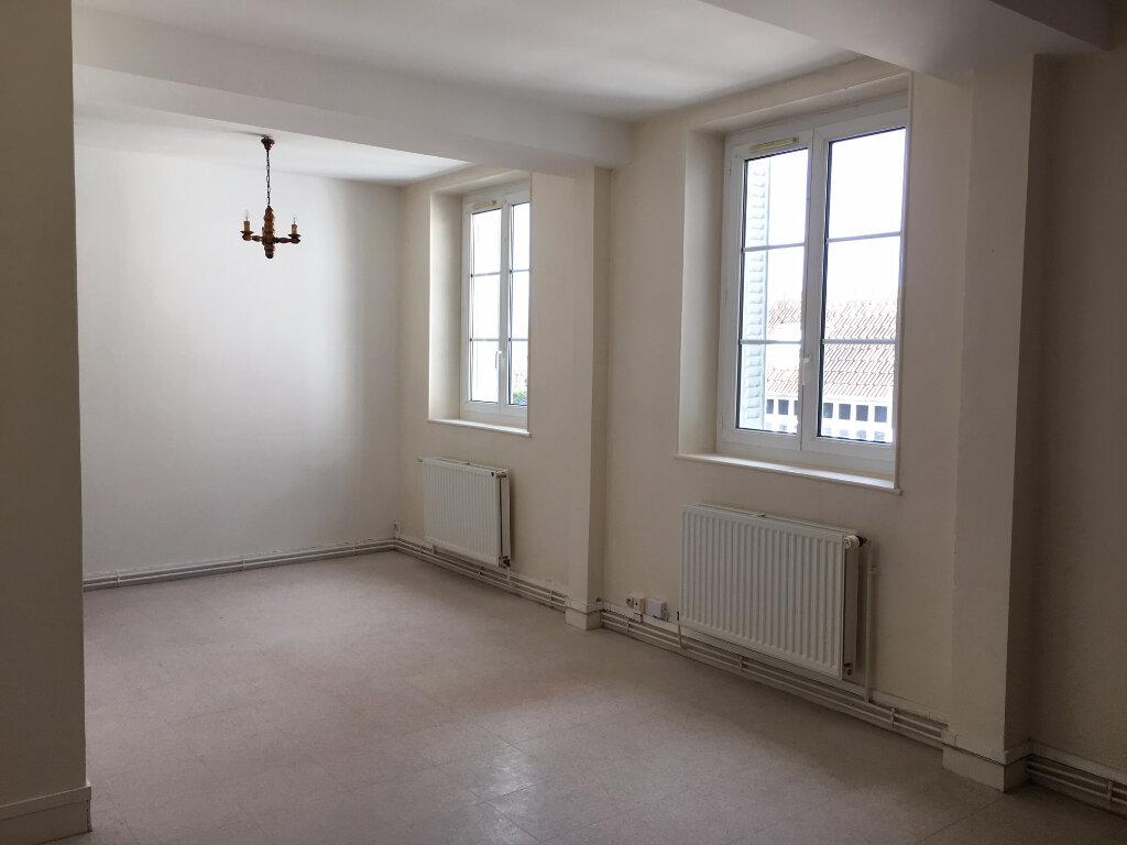 Appartement à louer 2 37.73m2 à Orléans vignette-1