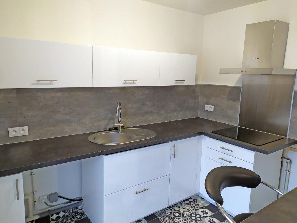 Appartement à louer 2 48.5m2 à Orléans vignette-1