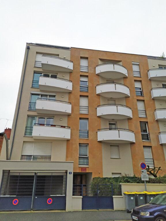 Appartement à louer 2 48.5m2 à Orléans vignette-2