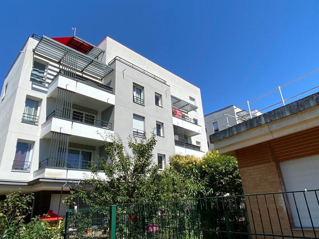 Appartement à vendre 3 62.1m2 à Cergy vignette-1