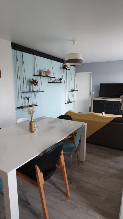 Appartement à vendre 3 62.1m2 à Cergy vignette-3