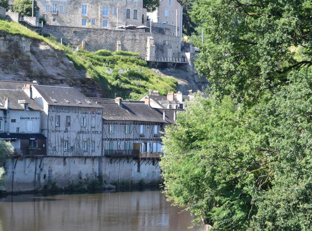 Maison à vendre 4 80m2 à Terrasson-Lavilledieu vignette-2