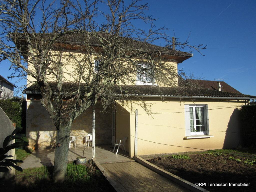 Maison à vendre 6 179m2 à Terrasson-Lavilledieu vignette-1