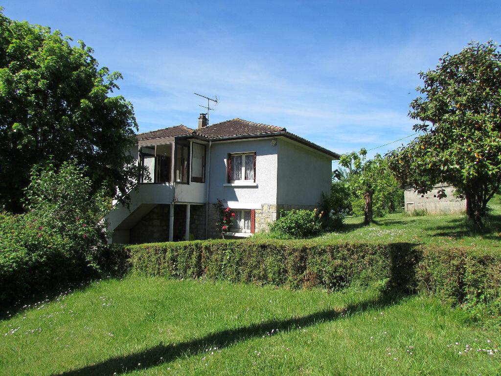 Maison à vendre 5 100m2 à Le Lardin-Saint-Lazare vignette-1