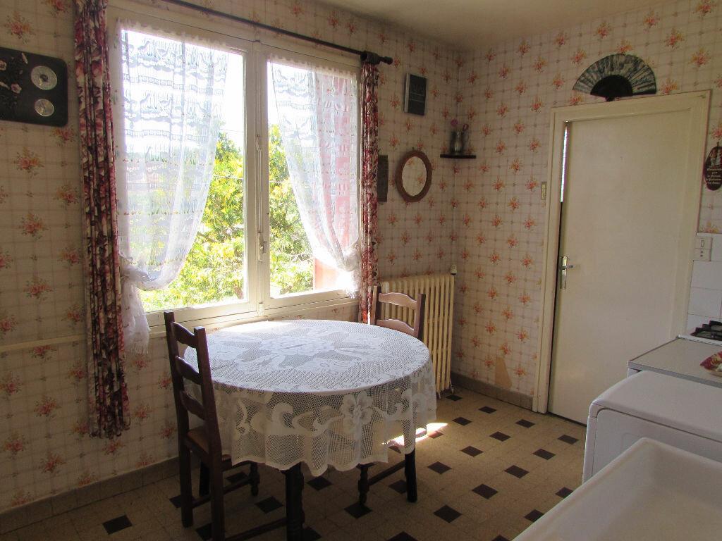 Maison à vendre 5 100m2 à Le Lardin-Saint-Lazare vignette-5