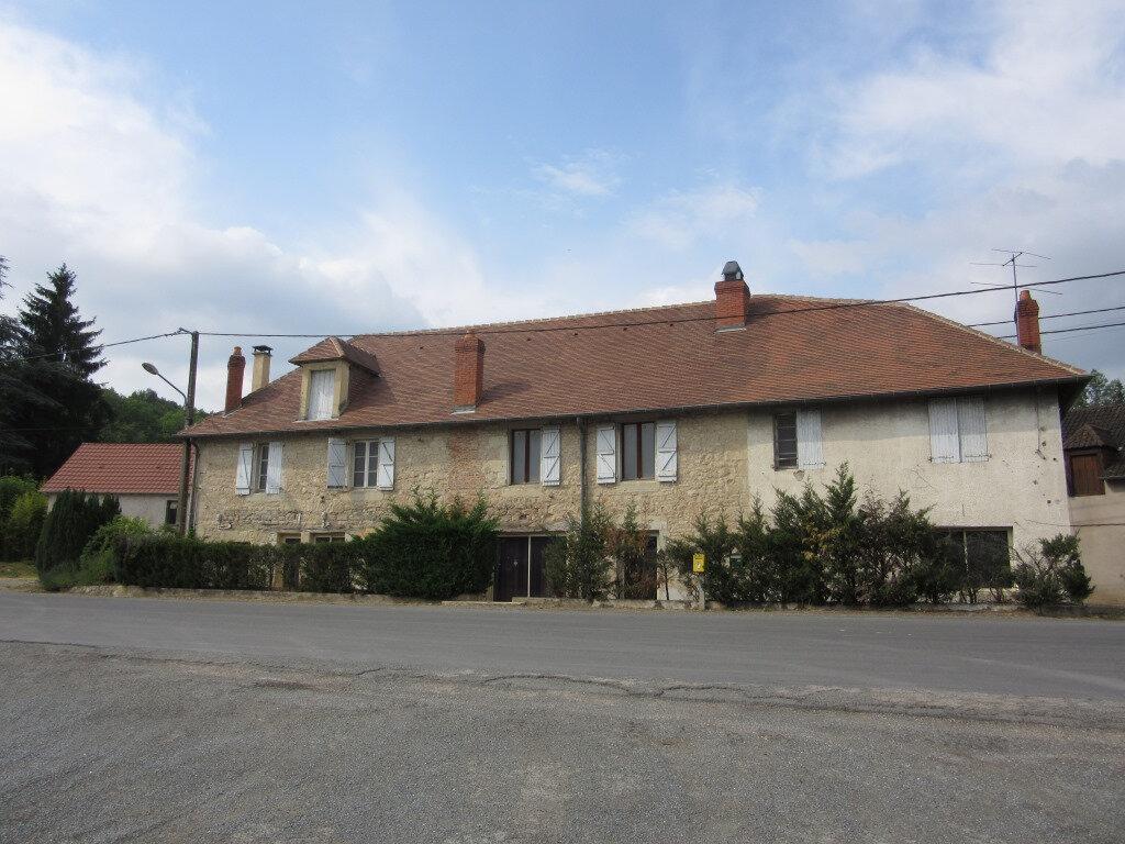 Immeuble à vendre 0 370m2 à Le Lardin-Saint-Lazare vignette-2
