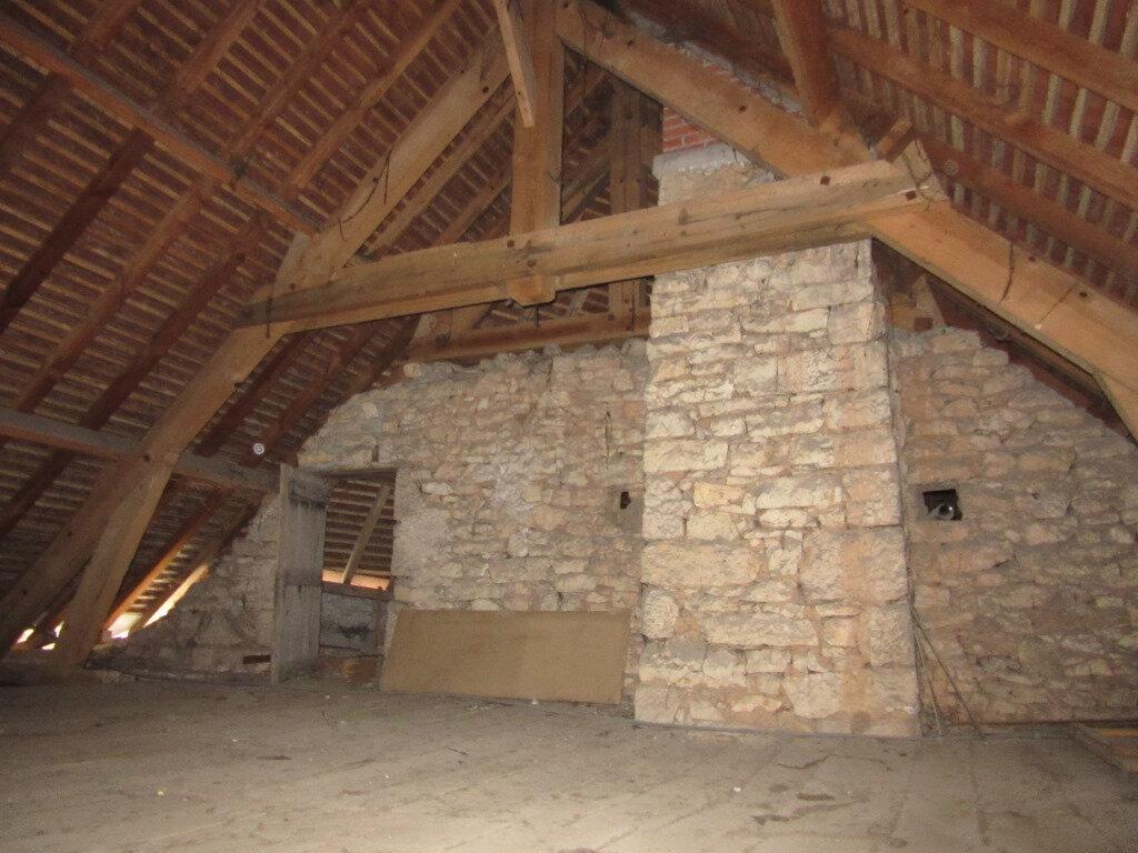Immeuble à vendre 0 370m2 à Le Lardin-Saint-Lazare vignette-4