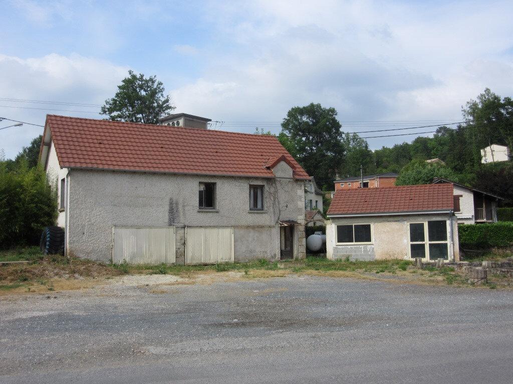 Immeuble à vendre 0 370m2 à Le Lardin-Saint-Lazare vignette-5