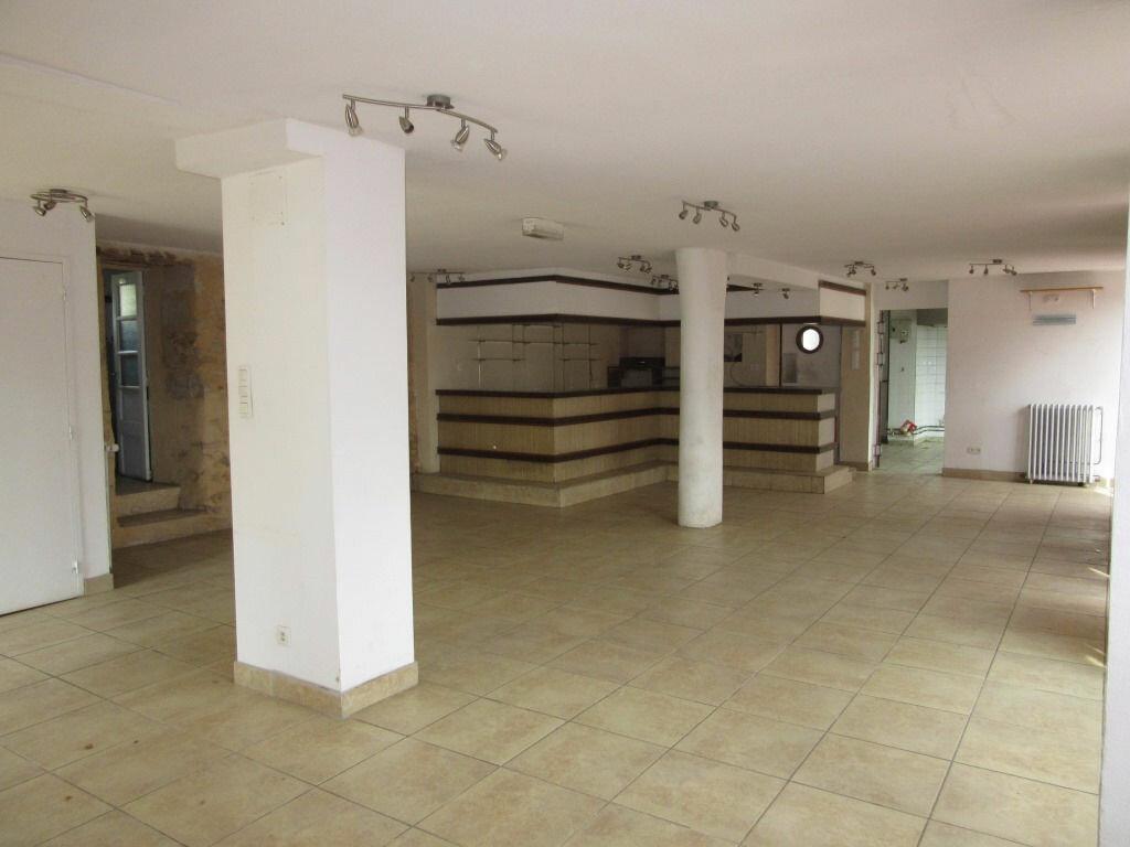 Immeuble à vendre 0 370m2 à Le Lardin-Saint-Lazare vignette-6