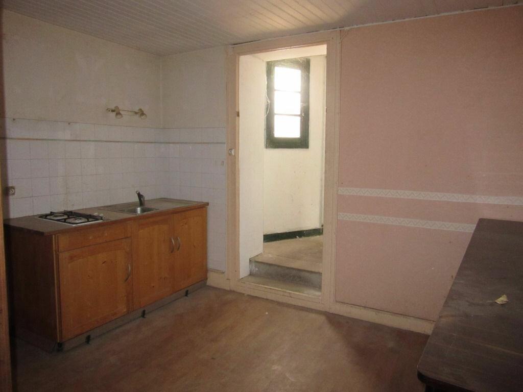 Immeuble à vendre 0 370m2 à Le Lardin-Saint-Lazare vignette-10