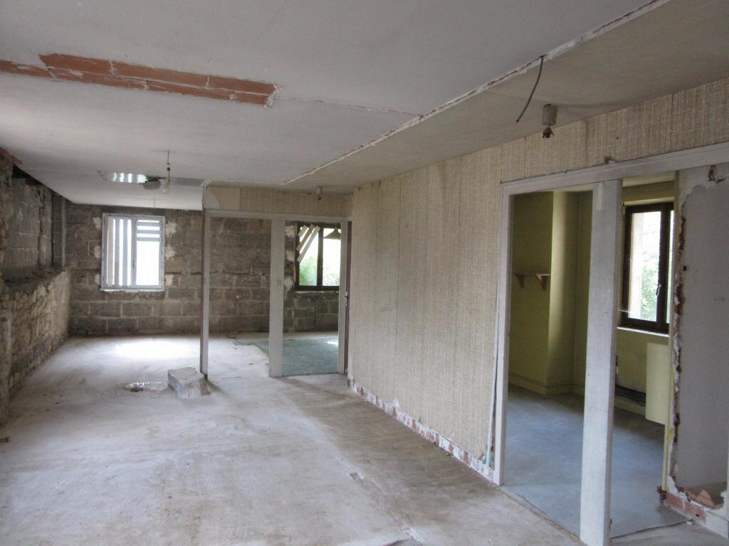 Immeuble à vendre 0 370m2 à Le Lardin-Saint-Lazare vignette-14