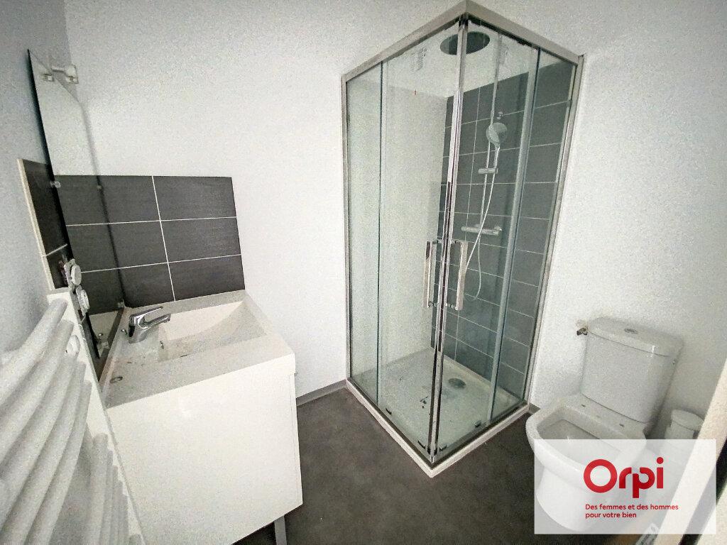 Appartement à vendre 2 42m2 à Terrasson-Lavilledieu vignette-3