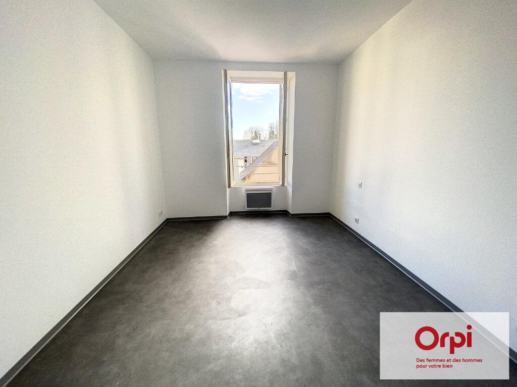 Appartement à vendre 3 69m2 à Terrasson-Lavilledieu vignette-3