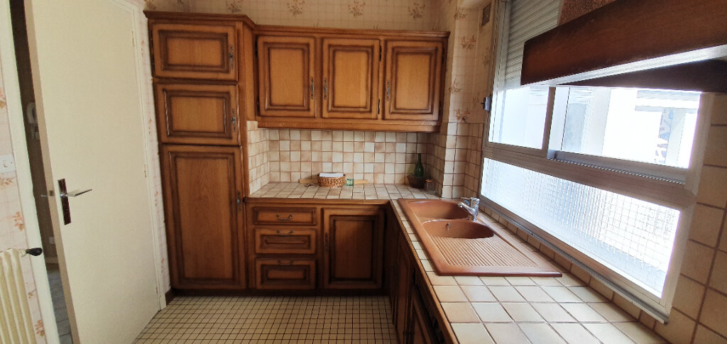 Appartement à vendre 3 55m2 à Brive-la-Gaillarde vignette-3