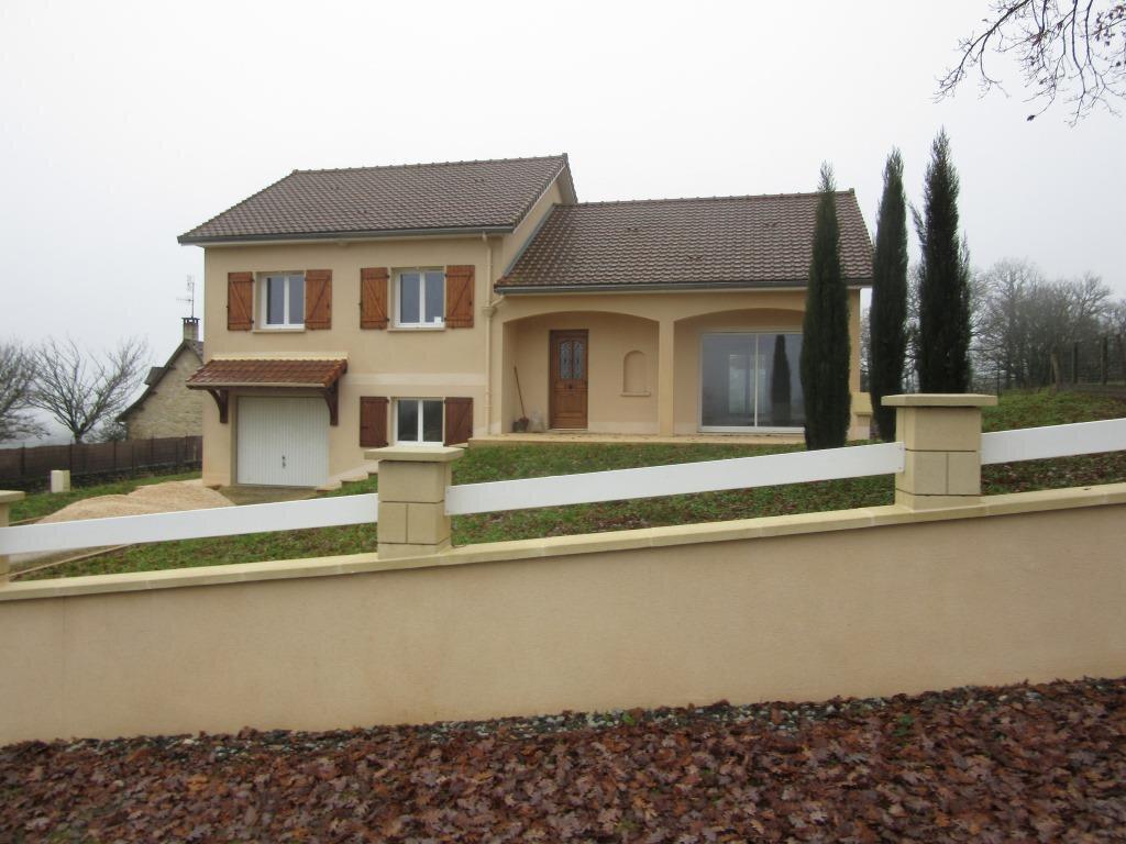 Maison à louer 4 92m2 à Azerat vignette-1